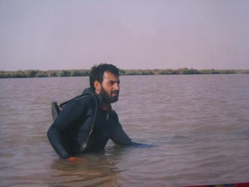 شهید چیت سازیان در تمرین رزم دریایی